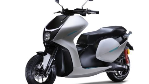 EV startup Everve launches 'EF1', an expensive new performance focused electric scooter with a 110kmph top speed
